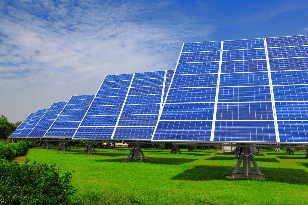 تولید انرژی خورشیدی برای تأمین سهم عمده انرژی پاک