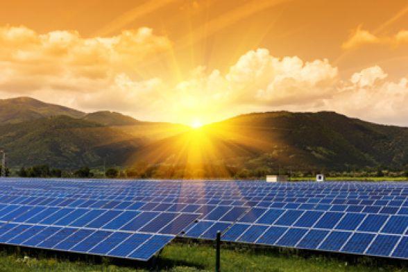 تولید برق با نیروگاه خورشیدی
