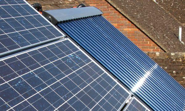 تفاوت نیروگاه خورشیدی فتوولتائیک و نیروگاه خورشیدی حرارتی