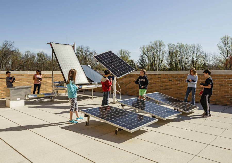 مدارس در ایالات متحده از انرژی خورشیدی استفاده می کنند