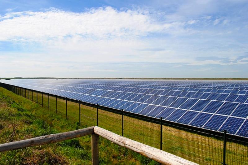 نیروگاه خورشیدی 60 مگاواتی که در کامبوج